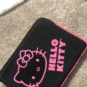 Hello kitty laptop case 17'